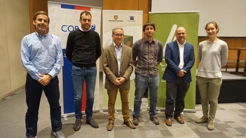 (de izquierda a derecha) José Pablo Undurraga, Gerente PEM Madera, Corfo  Gianni Dal Ri, expositor internacional  José Calderón, Gerente de Crulamm  Frane Zilic, Director Polomadera  Jo